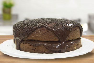 Simples recheio para bolo de chocolate
