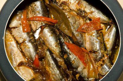Receita simples de sardinha na panela de pressão