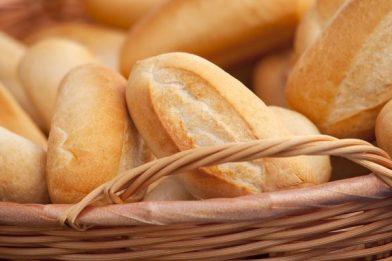 Simples receita de pão francês caseiro
