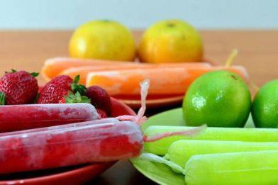 Simples receita de sacolé de frutas