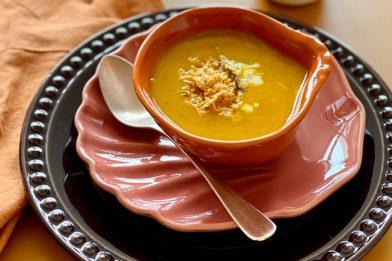 Deliciosa e muito simples caldo de abóbora
