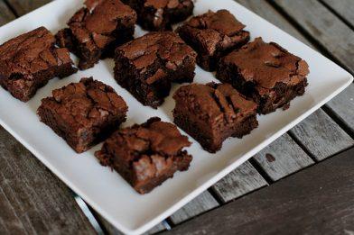 Simples brownie de nescau caseiro