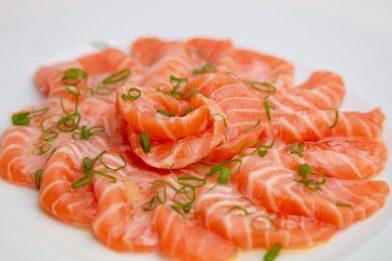 Passo a passo de carpaccio de salmão