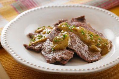 A mais deliciosa carne na mostarda