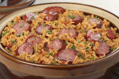 Simples arroz com calabresa