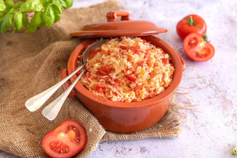 arroz com tomate e manjericão
